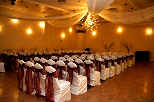 Pin best banquet hall in patna city raj darbar on pinterest for Ball room decoration