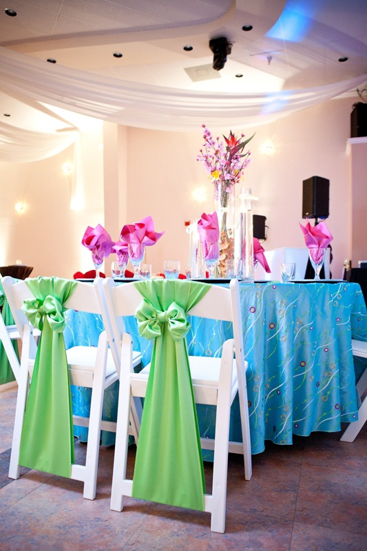 Island Tablescape With Vibrant Colors Wedding Table Setup