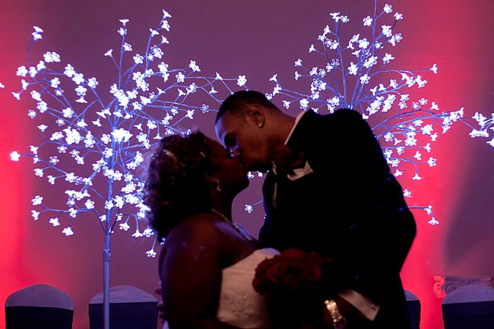 wedding ceremony kiss houston