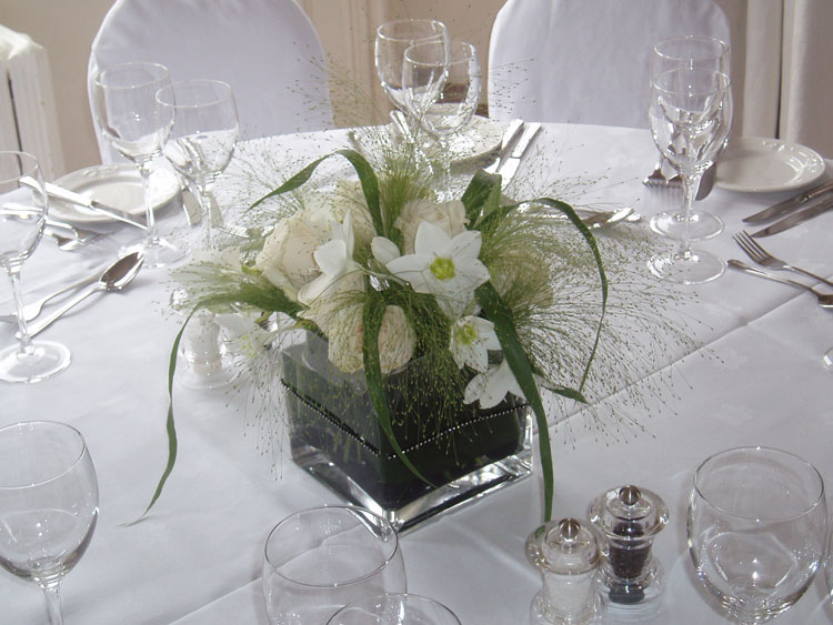 Flower arrangements for weddings demers banquet hall flower arrangements for weddings junglespirit